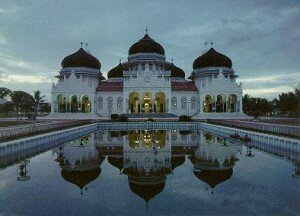Baiturrahman Mosque Aceh Indonesia1 300x216 10 Most Beautiful Mosques In The World