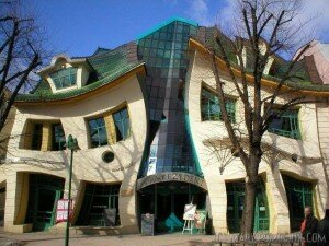 crooked house 300x225 Top 10 Most Unique House In The World