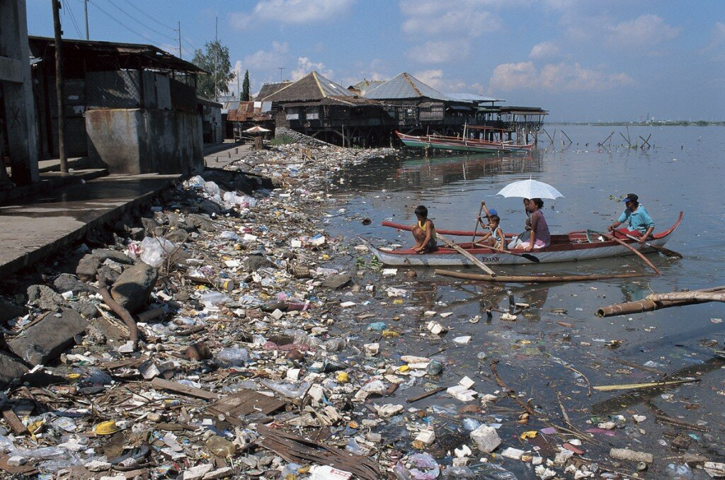 pollution fact water pollution 1024x678 10 Interesting Pollution Facts
