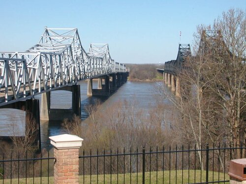 Mississippi River facts Bridge of Mississippi River 10 Interesting Mississippi River Facts