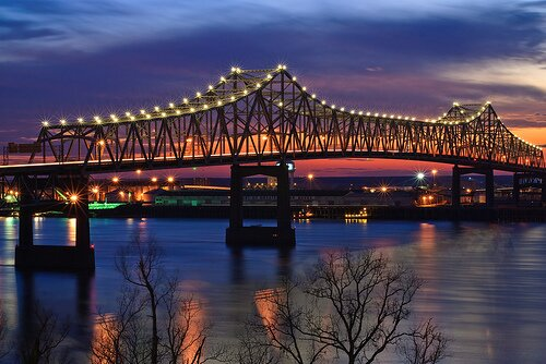 Mississippi River facts Mississippi River at Night 10 Interesting Mississippi River Facts