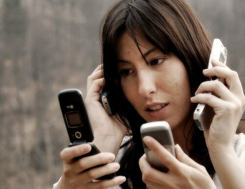 Cell phone facts: Phone Addict