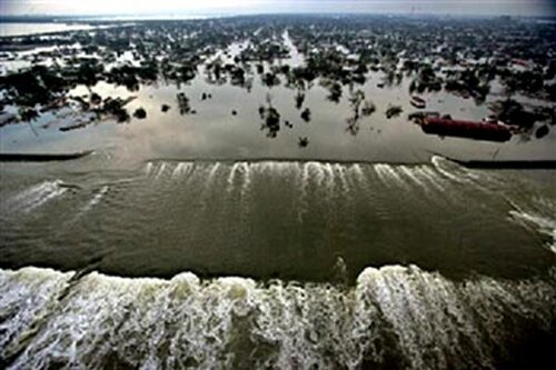 Hurricane Katrina facts: levees