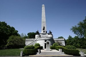 Abraham Lincoln facts Lincolns Tomb1 10 Interesting Facts about Abraham Lincoln