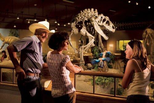 North Dakota facts: Dakota Dinosaur Museum