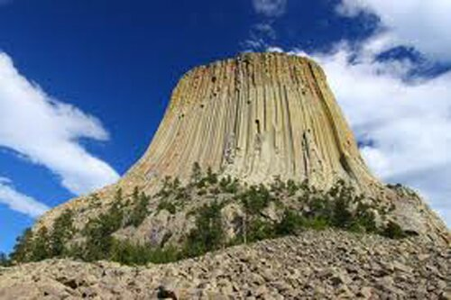 Wyoming facts Devils Tower 10 Interesting Wyoming Facts