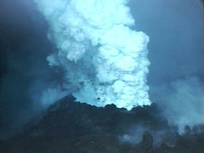 Volcanoes facts: underwater volcano