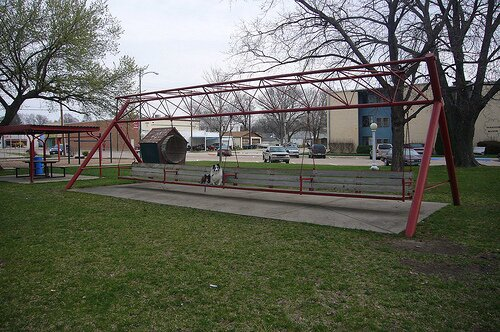 Nebraska facts: largest porch swing