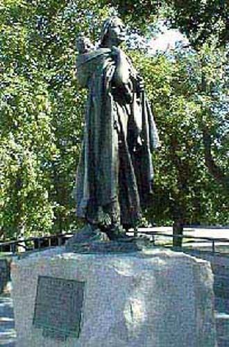 Sacagawea facts: sacagawea statue